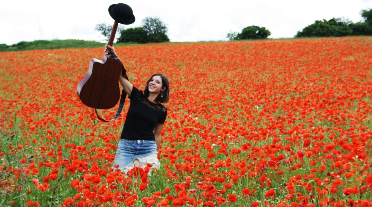 Nadine Fingerhut- Liedermacherin/Sängerin
